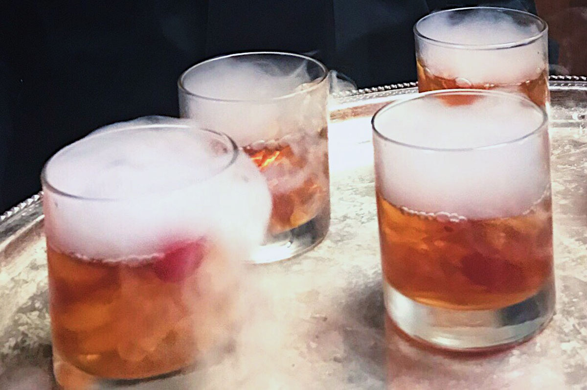 Elegant smoking cocktails