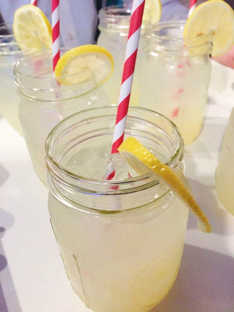 Cocktail in a mason jar
